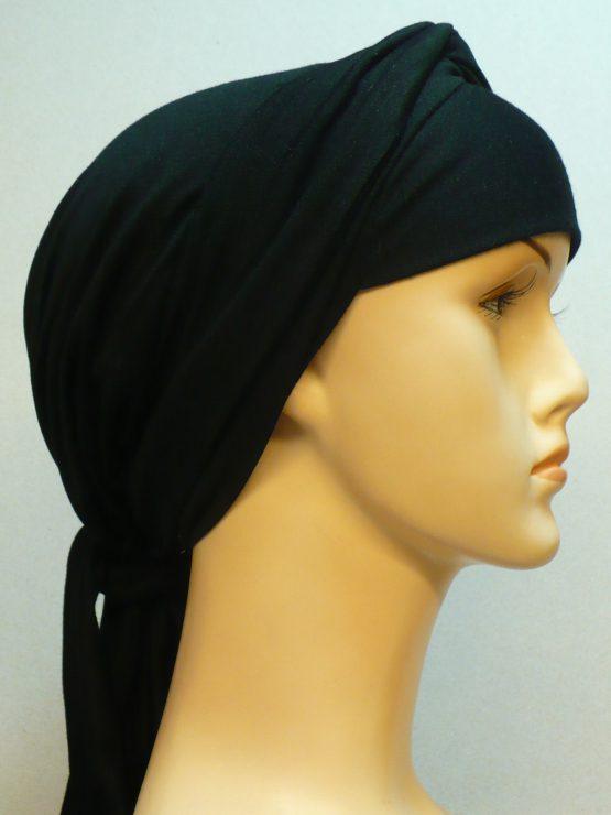 Czarna muzułmańska chusta