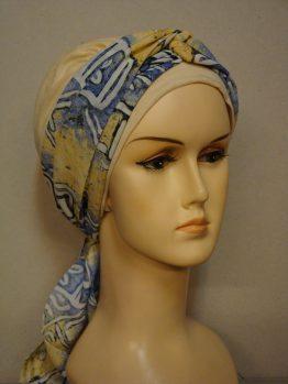 Waniliowa chusta modny wzór z dekoracją