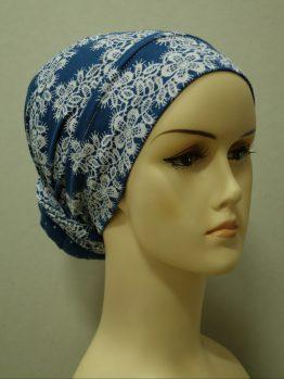 Niebieski turban w kwiaty