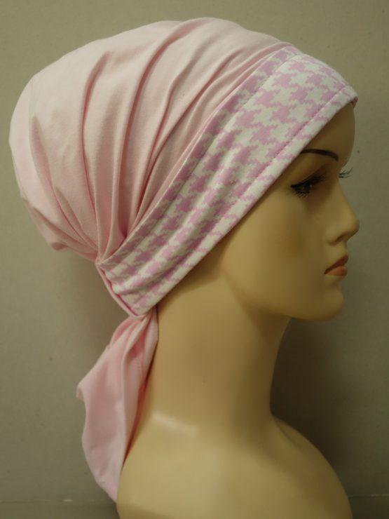 Różowa chusta ze wzorzystym rantem