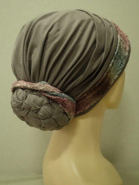 Ziemia turban z kolorową koronką