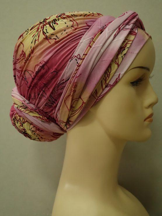 Różowy drapowany turban w kwiaty
