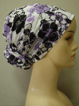 Biały turban w fioletowe kwiaty