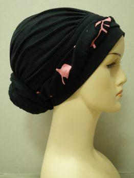 Czarny drapowany turban z plecioną dekoracją