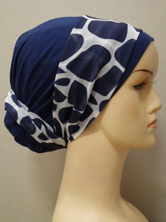 Granatowy turban z dekoracją z żorżety