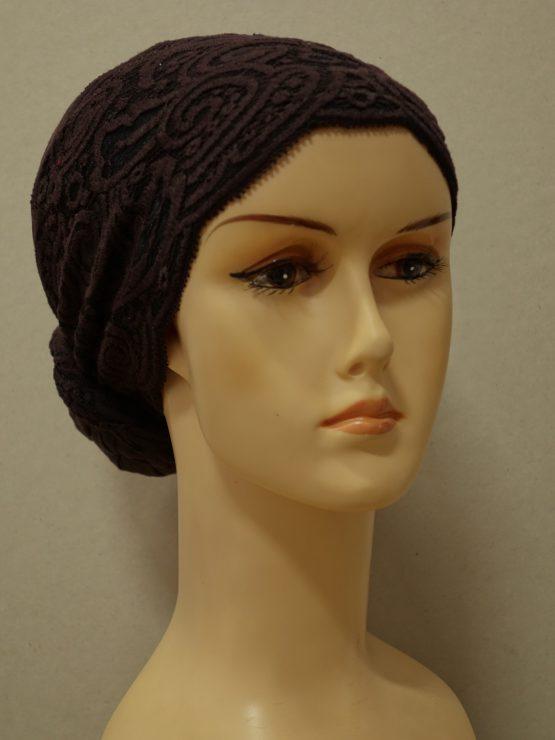 Brązowy turban wykończony koronką