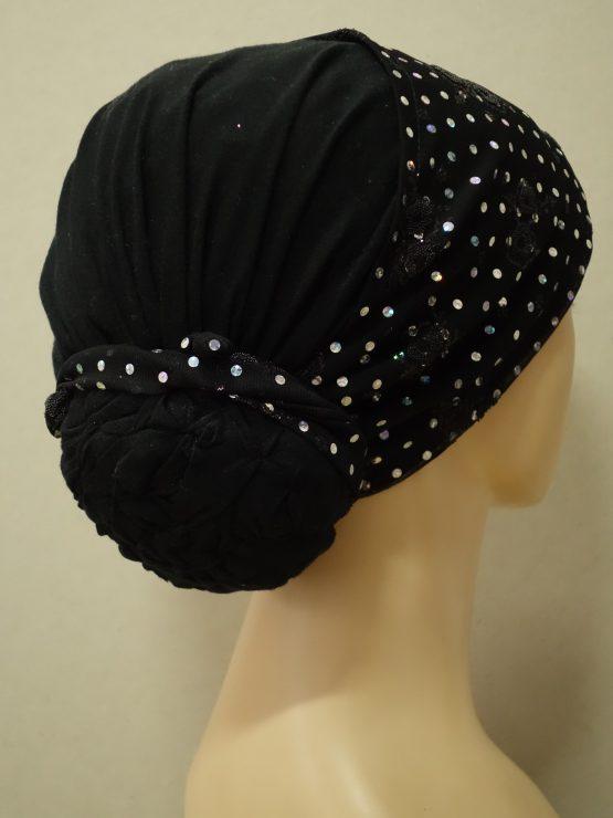 Czarny turban wykończony cekinami