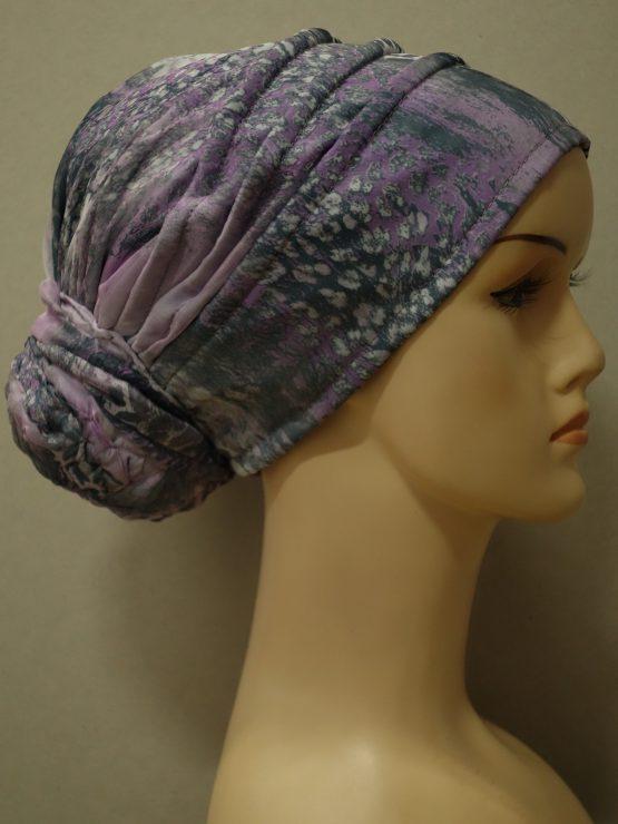 Fioletowy turban z zakładkami