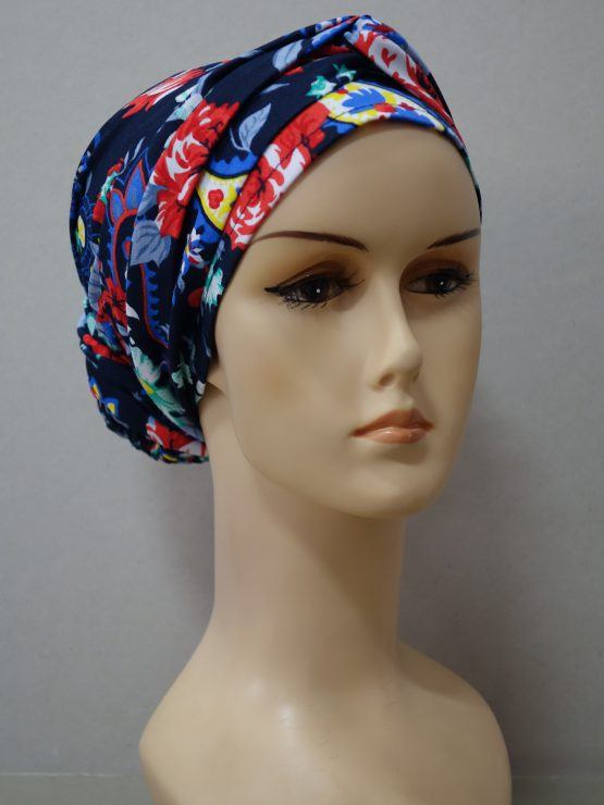 Granatowy turban w kwiaty
