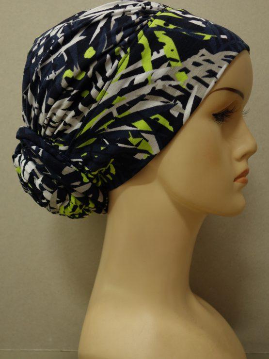 Granatowy drapowany turban w kolorowe wzory