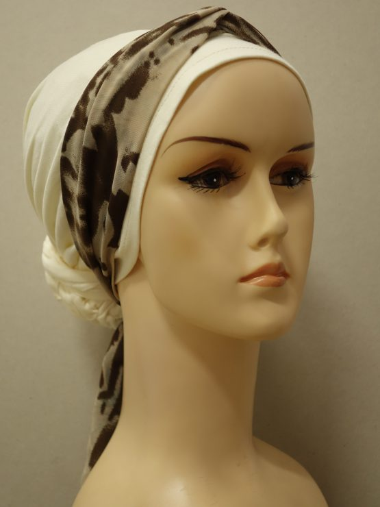 Waniliowy turban z jedwabną dekoracją