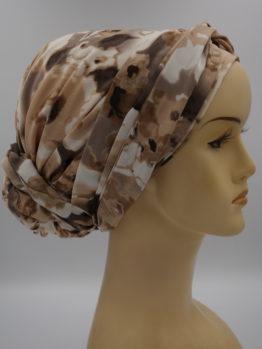 Beżowy turban w kwiaty