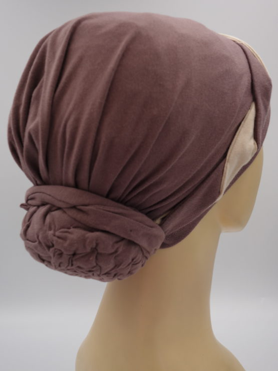Wrzosowy turban z plecioną dekoracją