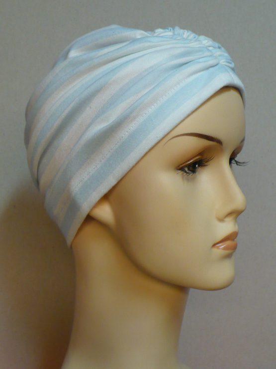 Pastelowe paski czepek drapowany
