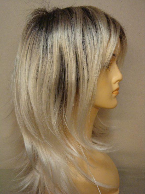 Długa peruka w kolorze białego blondu
