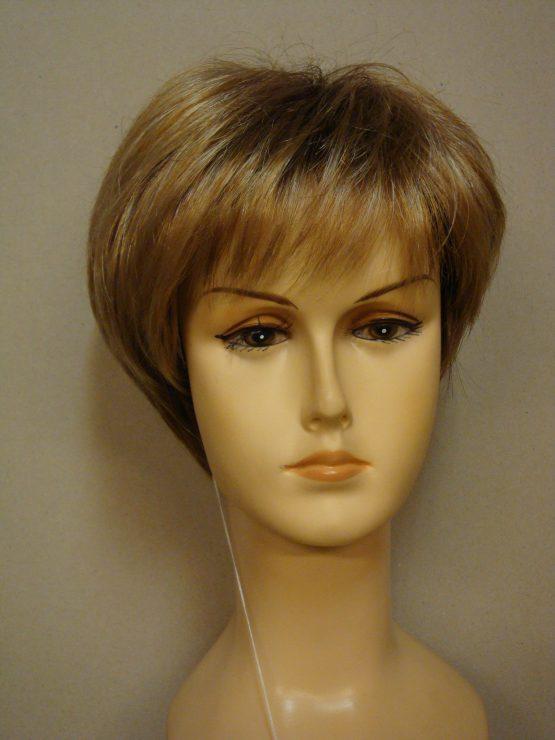 Krótka peruka blond w odcieniach koniaku