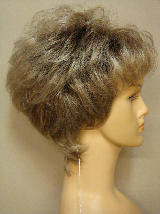 Krótka peruka popielaty blond z pasemkami lekko kręcona