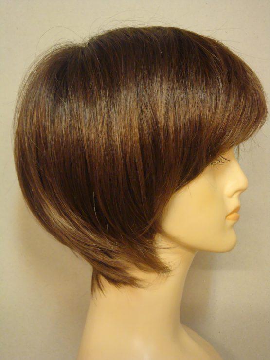 Krótka peruka jasny brąz na ciemniejszej podstawie