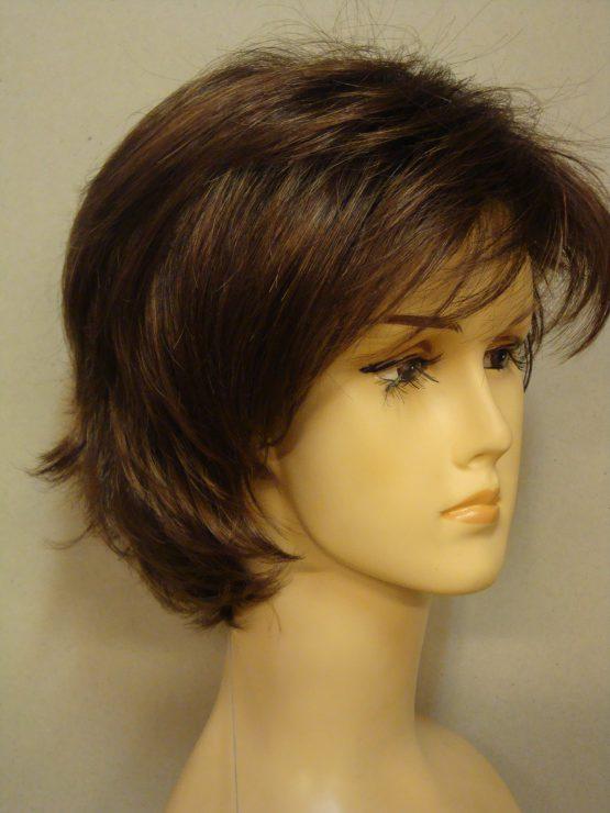 Krótka peruka jasny brąz wycieniowana