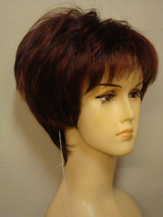 Krótka peruka rubinowa z delikatnymi refleksami