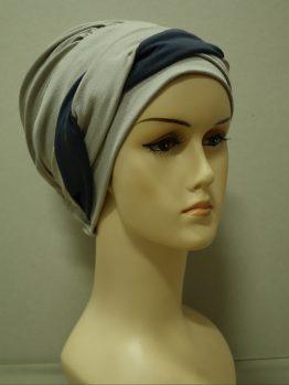 Popielaty-beż modna czapka z plecionką