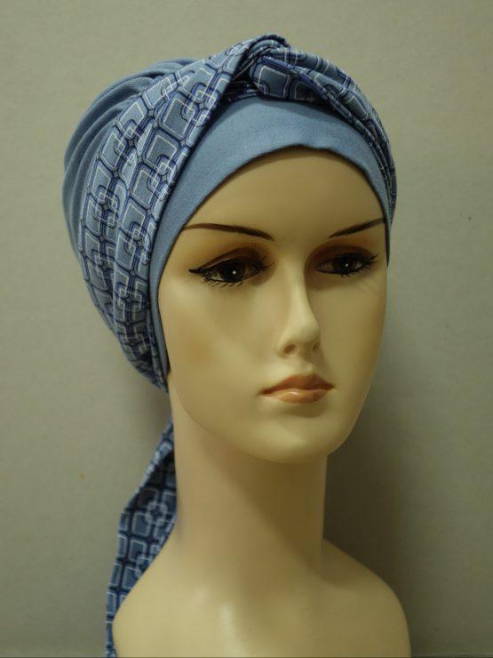 Niebieska chusta modny wzór z dekoracją