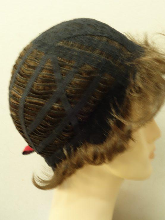 Krótka peruka kręcona różne odcienie brązu
