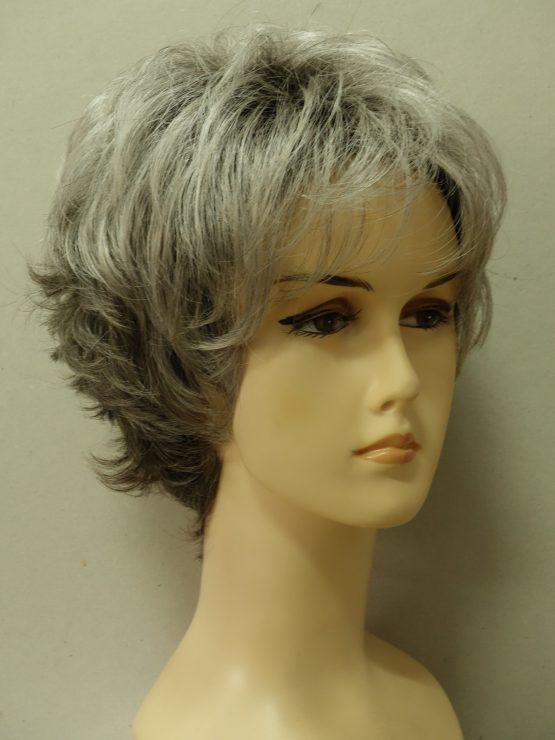 Krótka peruka siwa na ciemniejszej podstawie