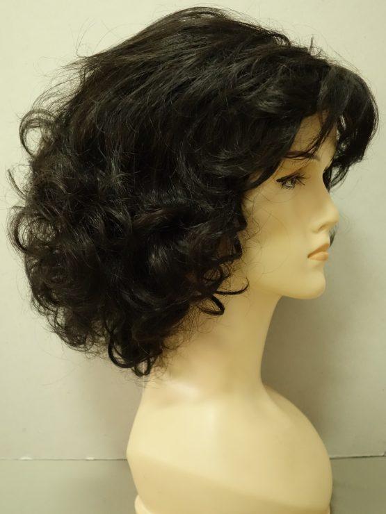 Półdługa peruka w kolorze ciemnego brązu kręcona