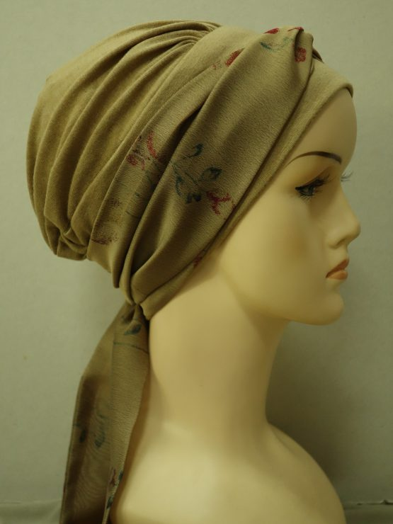 Cappucino chusta modny wzór z dekoracją