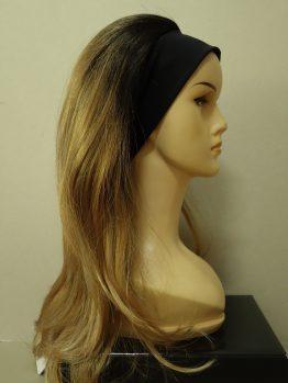 Długa peruka ciemny blond z refleksami na opasce