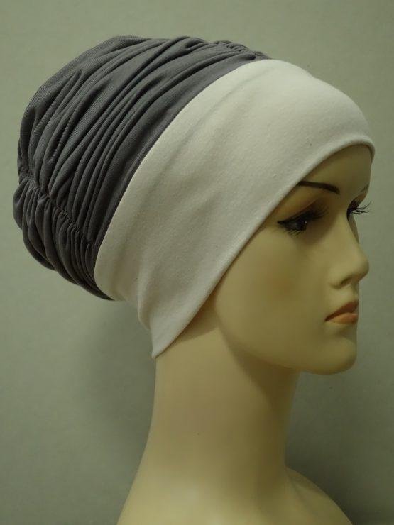 Ciemny wrzos drapowana czapka z jaśniejszym rantem