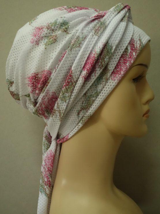 Biała chusta modny wzór w kwiaty