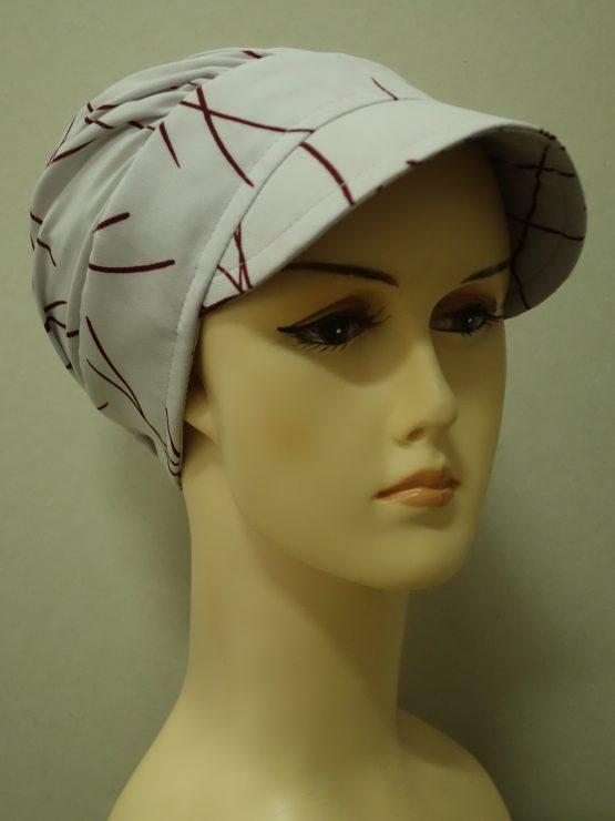 Popielata modna czapka z daszkiem we wzory