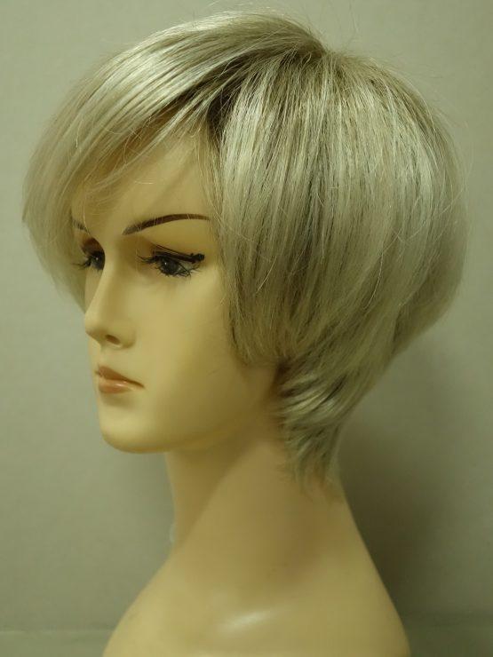 Krótka peruka jasny blond na ciemniejszej podstawie