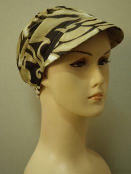 Beżowo-brązowa modna czapka z daszkiem we wzory