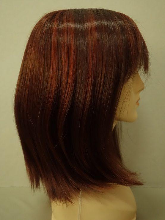Półdługa peruka w kolorze rubinowym