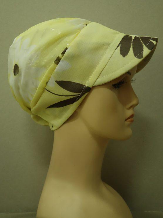 Słoneczna modna czapka z daszkiem w kwiaty