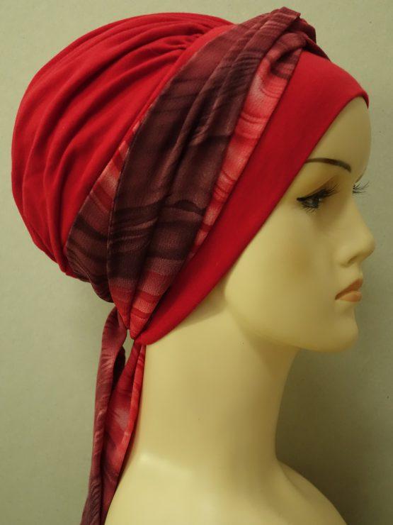 Czerwona chusta modny wzór z dekoracją