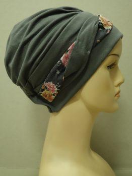 Ciemny popiel modna czapka z plecioną dekoracją w kwiaty