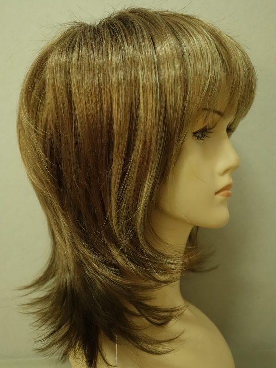Półdługa peruka ciemny blond z jaśniejszą grzywką