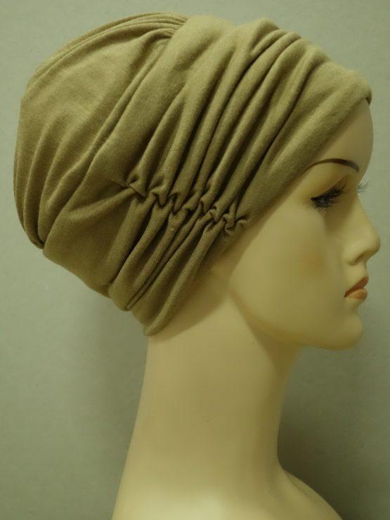 Cappucino drapowana czapka