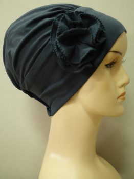Ciemny popiel modna czapka z kwiatem