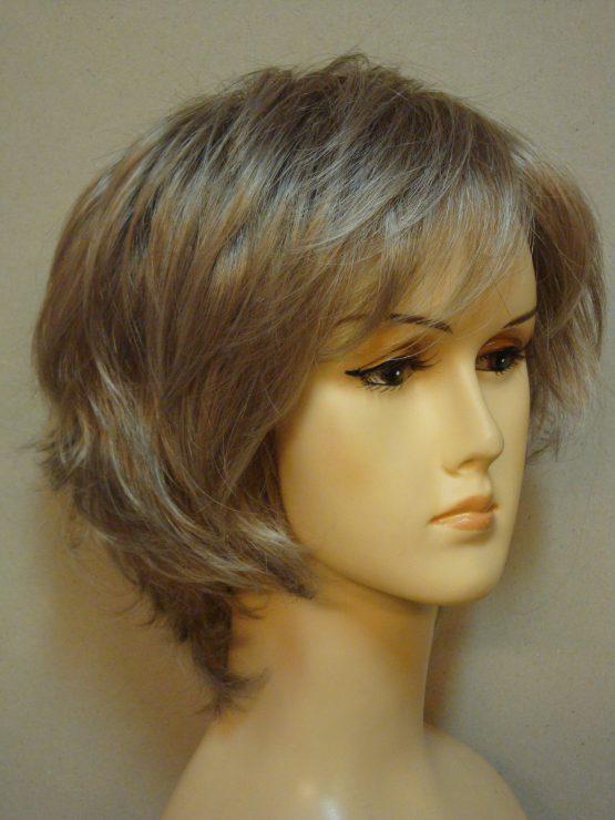 Krótka blond pocieniowana