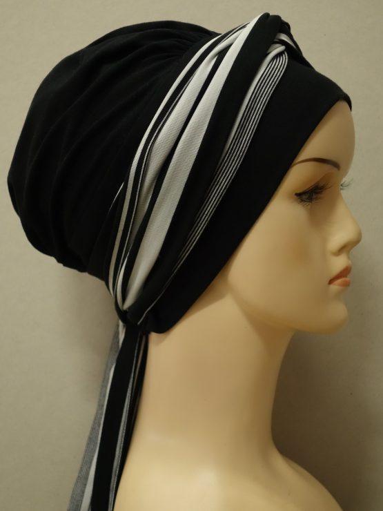Czarna chusta modny wzór z dekoracją w paseczki