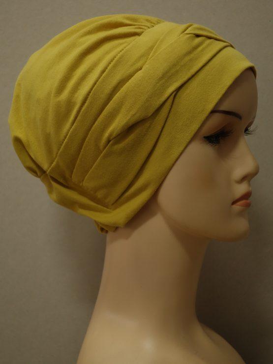 Miodowa modna czapka z dekoracją