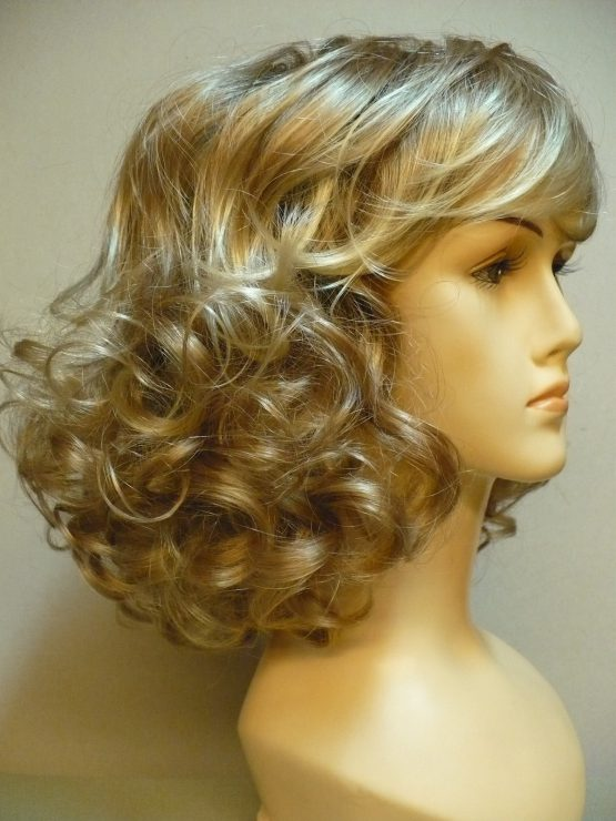 Półdługa peruka złoty blond podkręcona