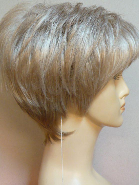 Krótka jasny blond