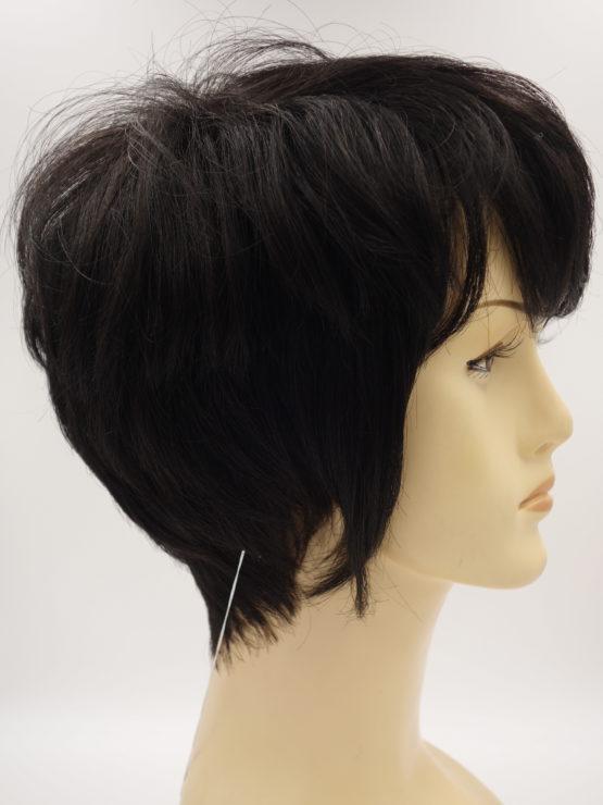 Krótka naturalna peruka w kolorze czarnym