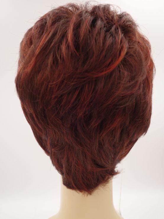 Krótka peruka rubinowa z jaśniejszymi refleksami